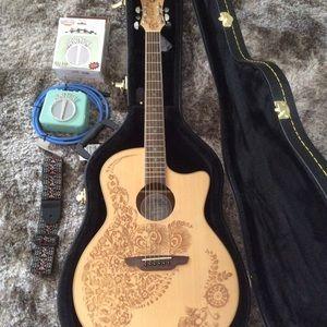 Other - Beautiful Luna henna guitar
